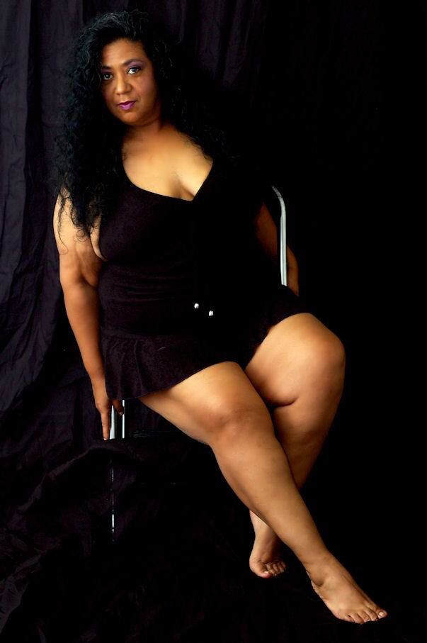 Big Legged Mature Black Woman