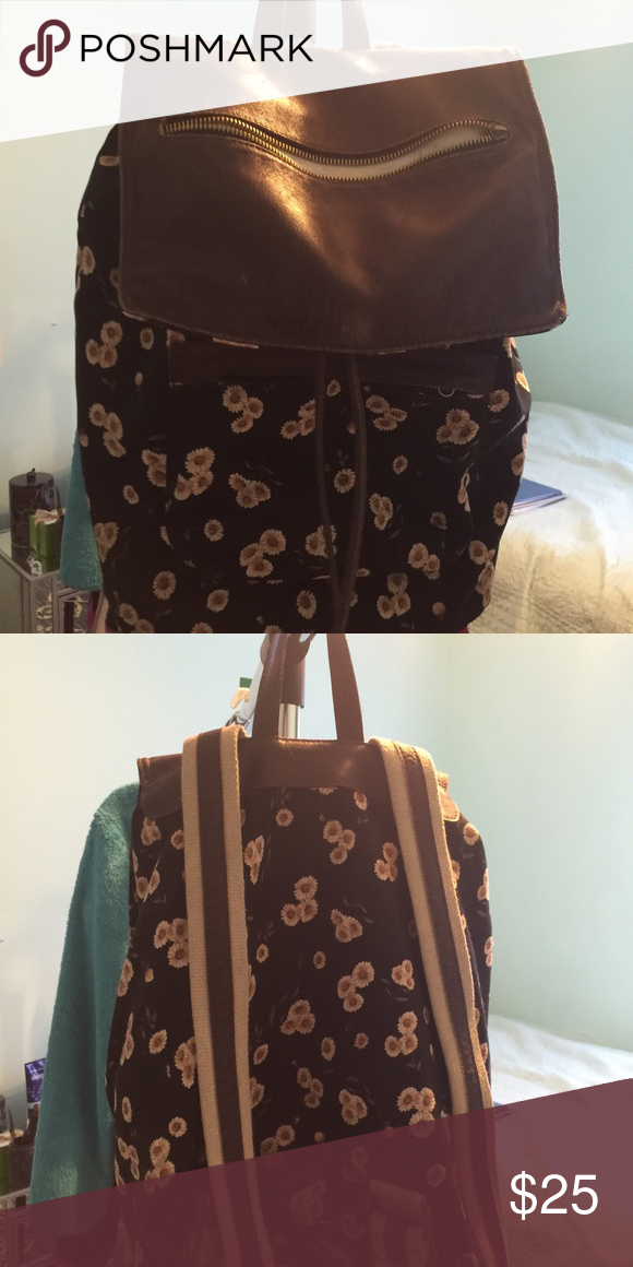 Brandy Melville backpack Brandy Melville floral backpack Brandy Melville Bags Backpacks