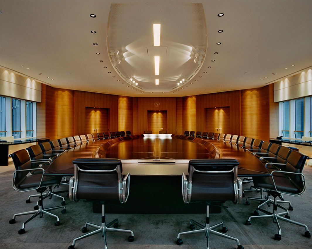 A Tour Of The World S Most Powerful Rooms Beautiful Office Spaces Boardroom Table