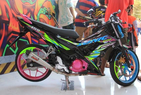 Modifikasi Honda Sonic 150 R Striping Honda Vehicles
