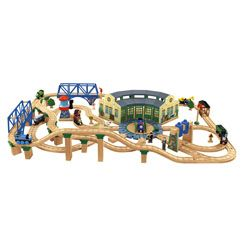 Thomas & Friends™ Wooden Railway Pirate Cove Discovery Set ...