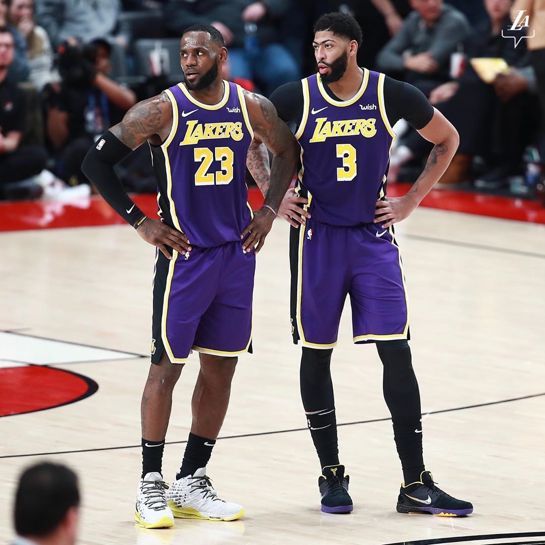 Los Angeles Lakers On Instagram Win No 2 0 In The Bag Time To Go Back To La Lakeshow Lebron James Basketball Lebron James Lebron James Lakers