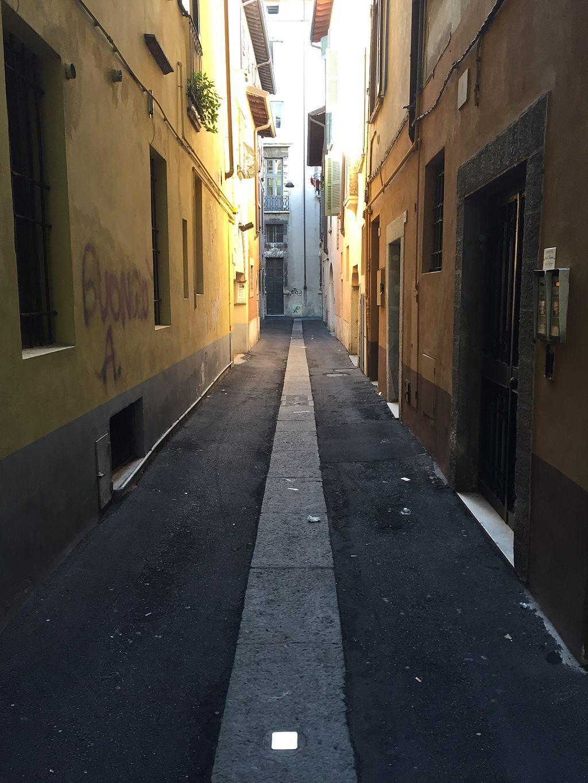 Gasse In Brescia Mit Stolperstein Fur Ubaldo Migliorati