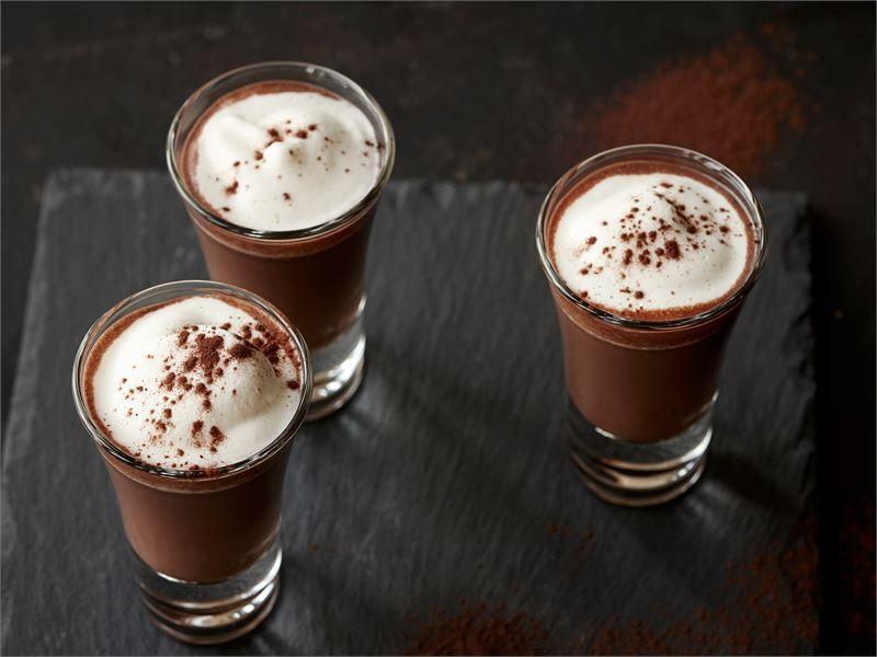 Lämmin suklaashotti
