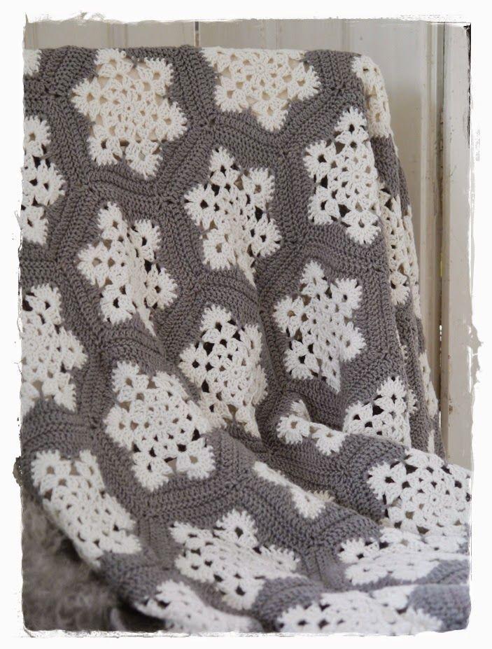 versponnenes schneefl ckchengrannydecke aus der landgang. Black Bedroom Furniture Sets. Home Design Ideas