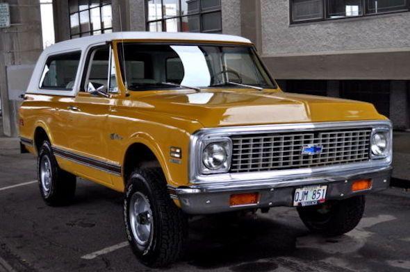 Let The Bronco Versus Blazer Debate Begin Chevrolet Blazer K5 Blazer Chevy Blazer K5