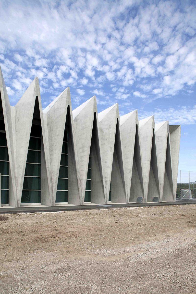 Livio vacchini gymnasium m limatt 2010 architettura for Casa moderna zurigo