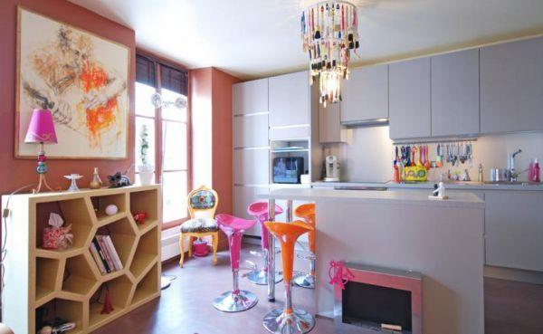 A decoração para cozinha color block é ótima opção para quem alegrar e repaginar sua casa