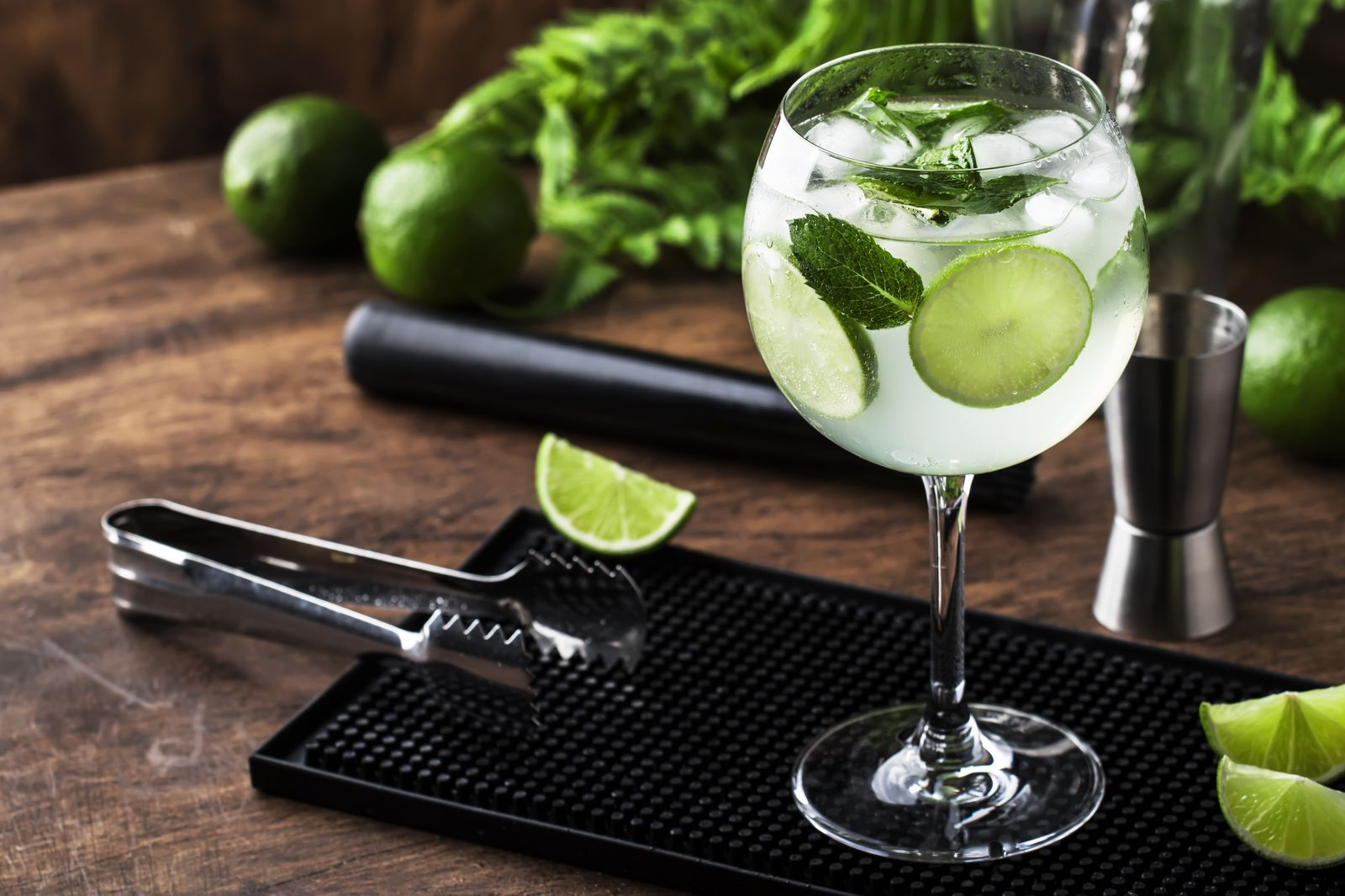 This Is How You Make The Perfect Gin Tonic Trust Us Gin And Tonic Perfect Gin And Tonic Gin Cocktails