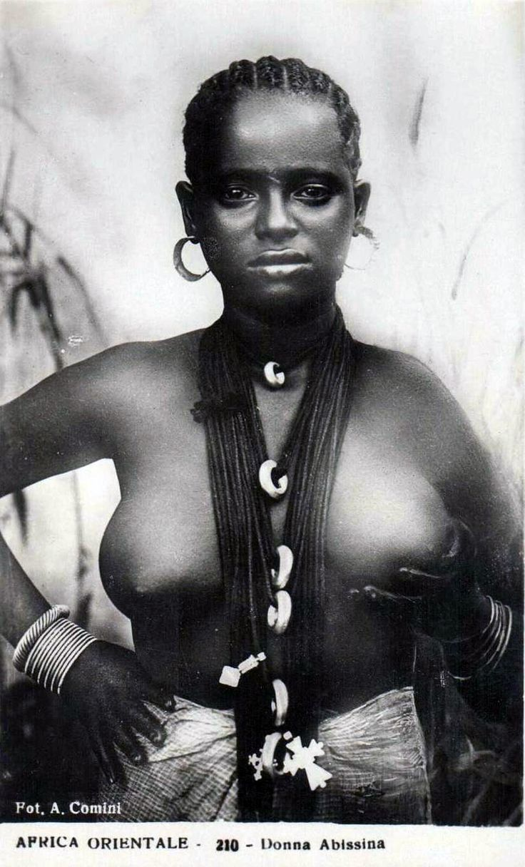 Nude african women no close — pic 5