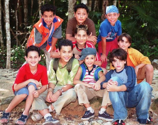 "He aquí todo elenco infantil de ""Amy, la Niña de la Mochila Azul ..."