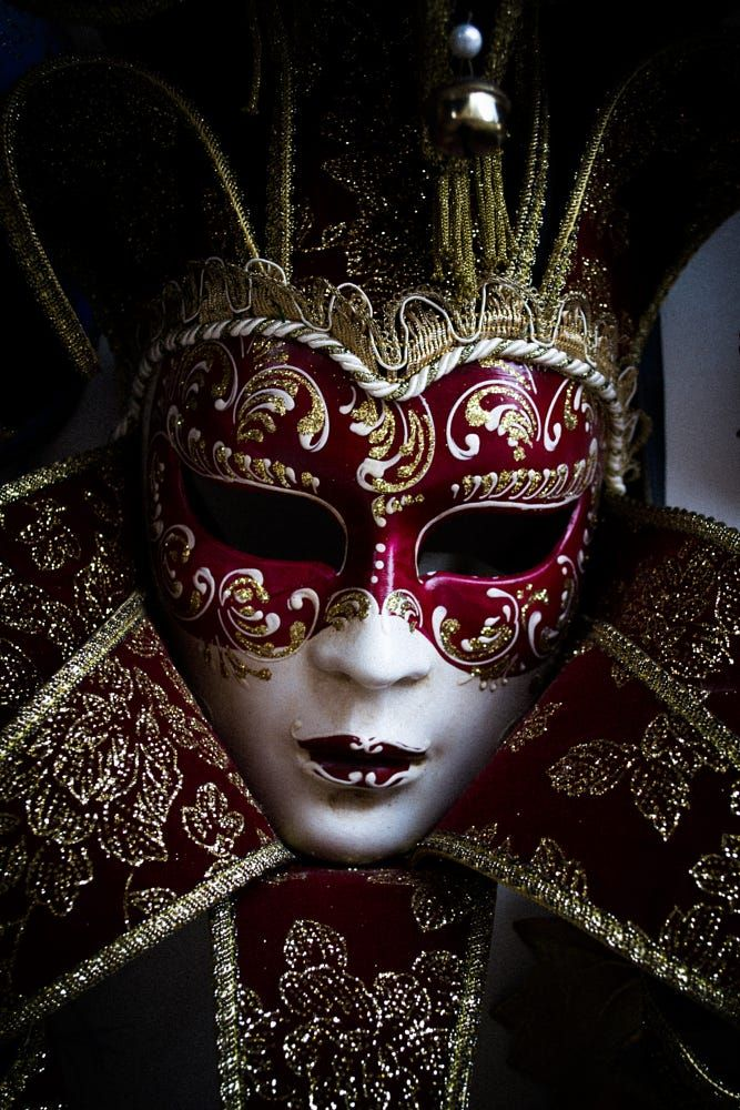 Mask by Albert Mejía on 500px