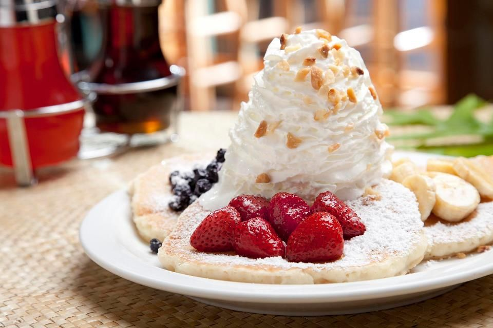 Eggs N Things Waikiki Beach The Best Pancakes With Coconut Syrup And Omelets In World