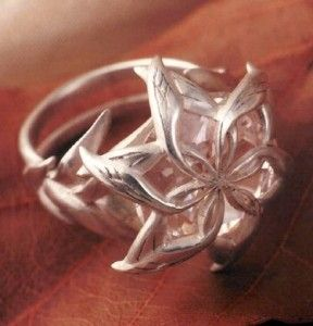 Beautiful flower ring