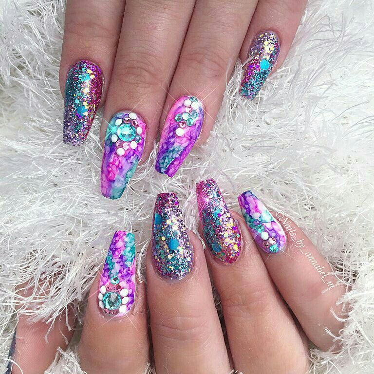 Pin by Cheree Wade on Fancy fancy | Pinterest | Glitter nails and ...