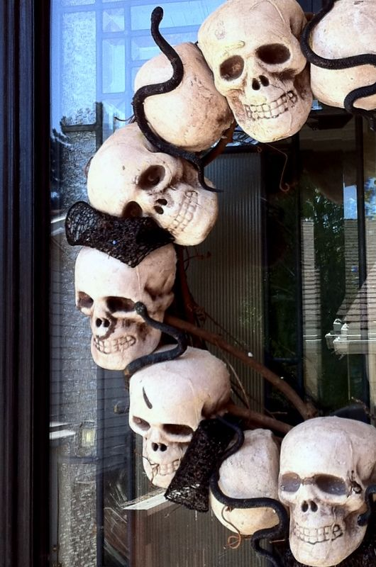 Spooky Skeleton Halloween Wreath - snap the conference