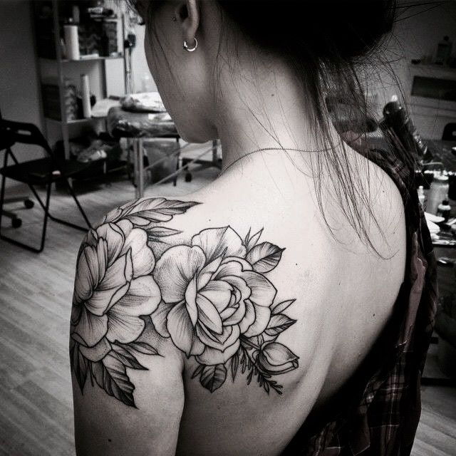 pingl par priscilla monteiro sur tattoo pinterest tatouage tatouage fleur et tatouage 2017. Black Bedroom Furniture Sets. Home Design Ideas