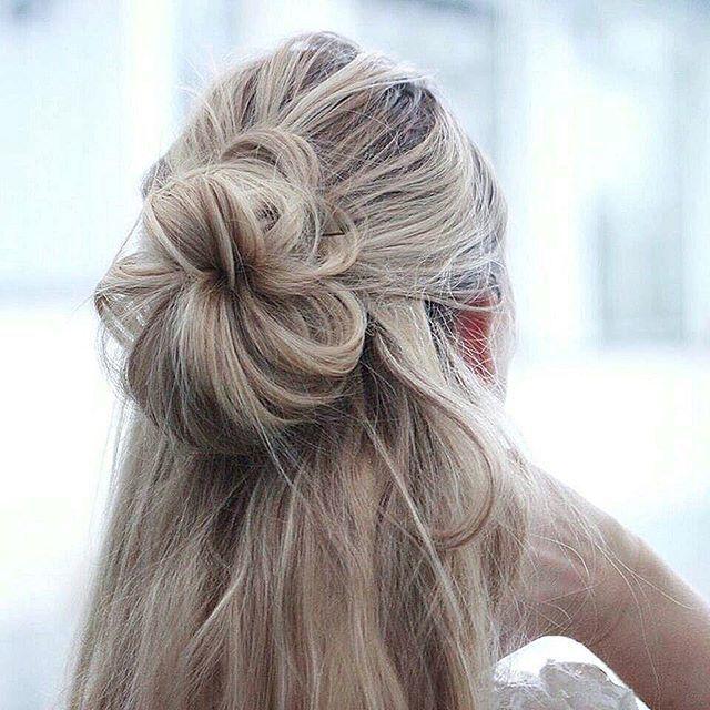 Elvira Jonsson On Instagram Yesterday S Hairdo A Half Up Half Down Messy Bun Hair Styles Long Hair Styles Edgy Long Hair