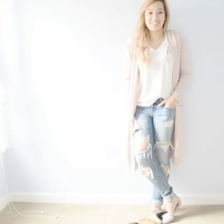 1 t-shirt 4 Ways; See how we style our A La Folie T-Shirt! Full video on youtube! Stay tuned tomorrow- we have a special surprise for you all, and it involves prizes!  Picture Credit: Tara Cooke Video Credit: @jadephan  bit.ly/foliestylevideo