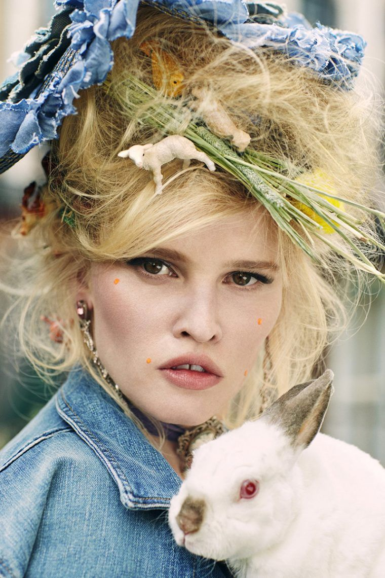 lara-stone-by-sebastian-faena-for-cr-fashion-book-no-9-3