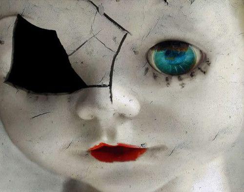 O homem vive a infância inteira sem poder brincar com bonecas, mas quando cresce, ele brinca com as verdadeiras bonecas. As pessoas.  Eu não sou uma boneca, não sou um divertimento no qual você …