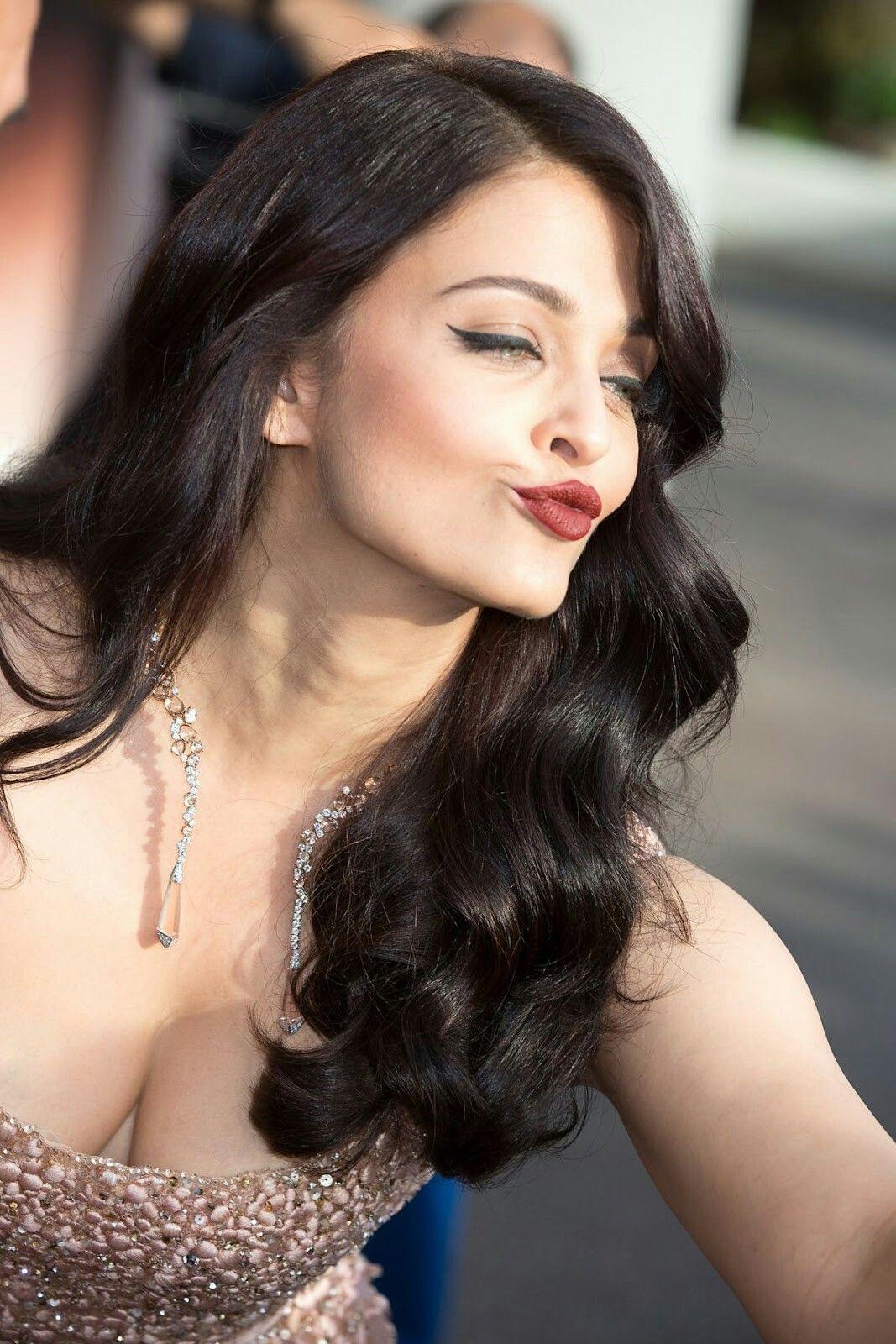 Aishwarya Rai Indian Actresses Hot Actresses Priyanka Chopra Aishwarya Rai Bachchan Sonam
