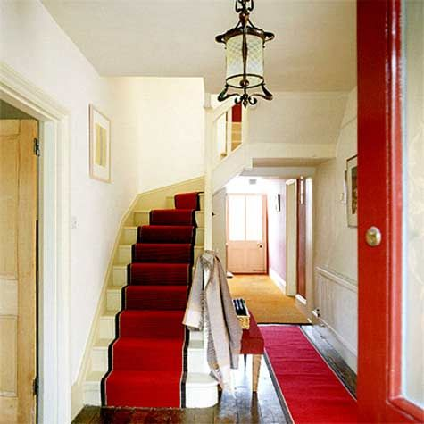 Love The Hallway Runner Mirroring Red Door Great High Contrast Without Being Too Intense