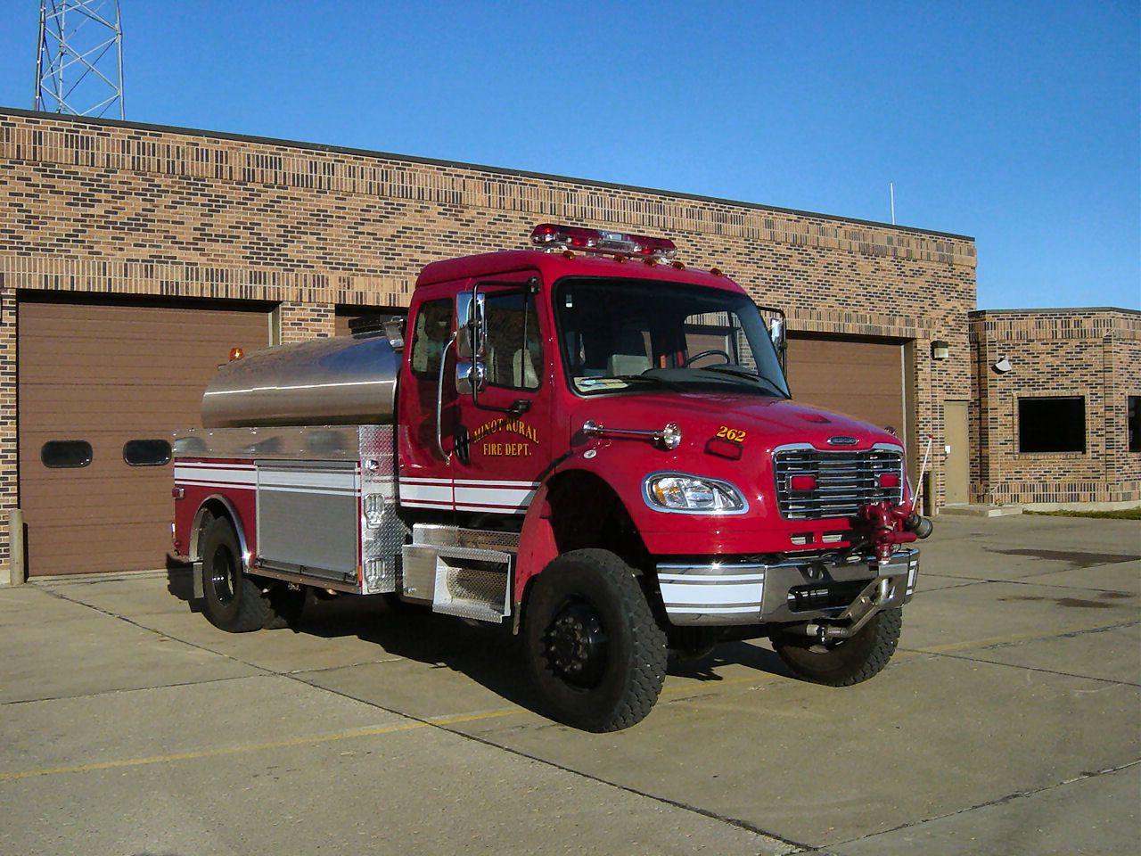 Chevrolet suburban command arcadia fire department emergency apparatus fire truck photo my future ic vehicles pinterest fire trucks fire apparatus
