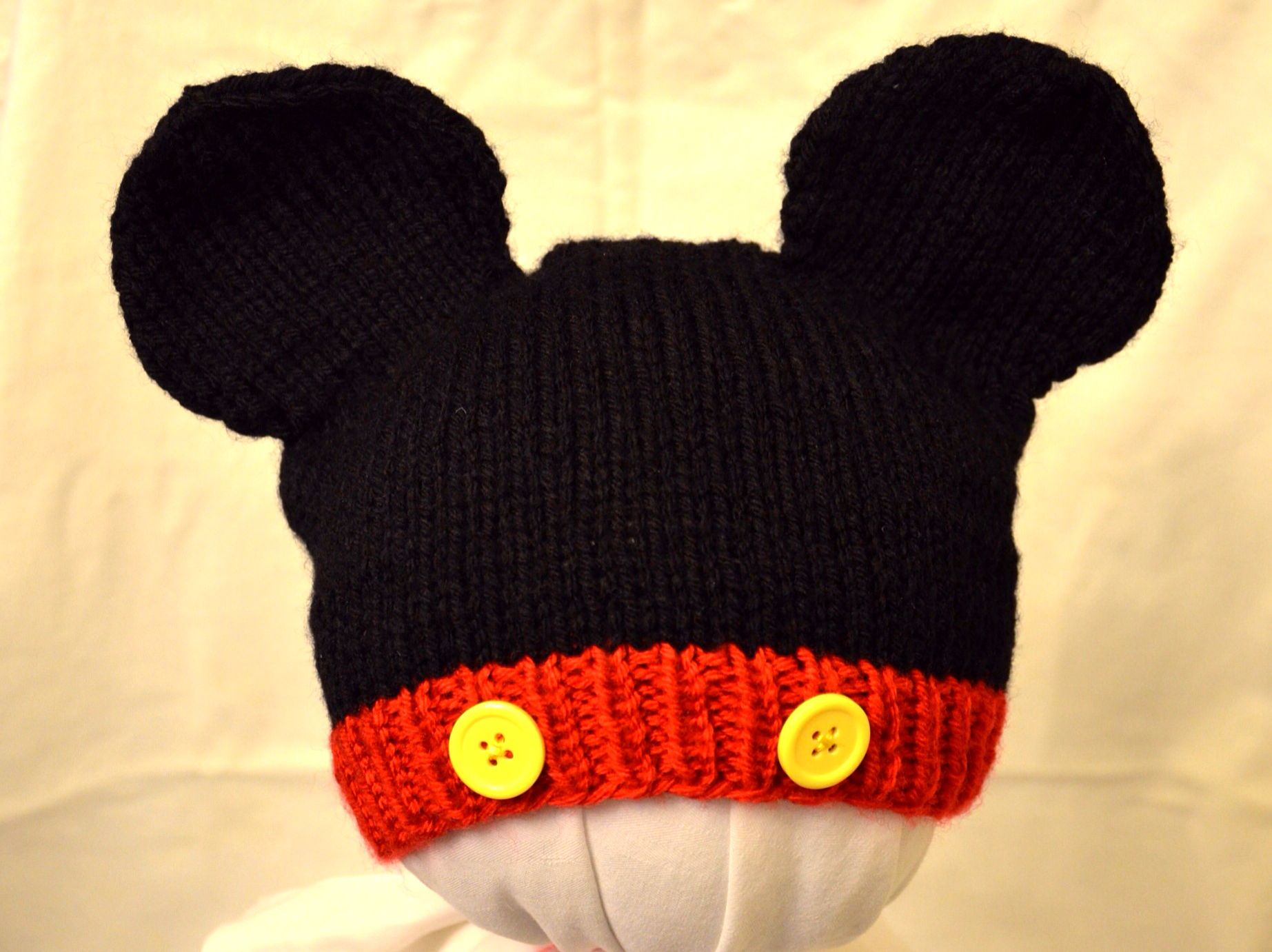 Mickey and Minnie Mouse Knit Hat pattern by Cynthia Diosdado ...