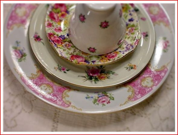 mismatched dishes...love it & do it!