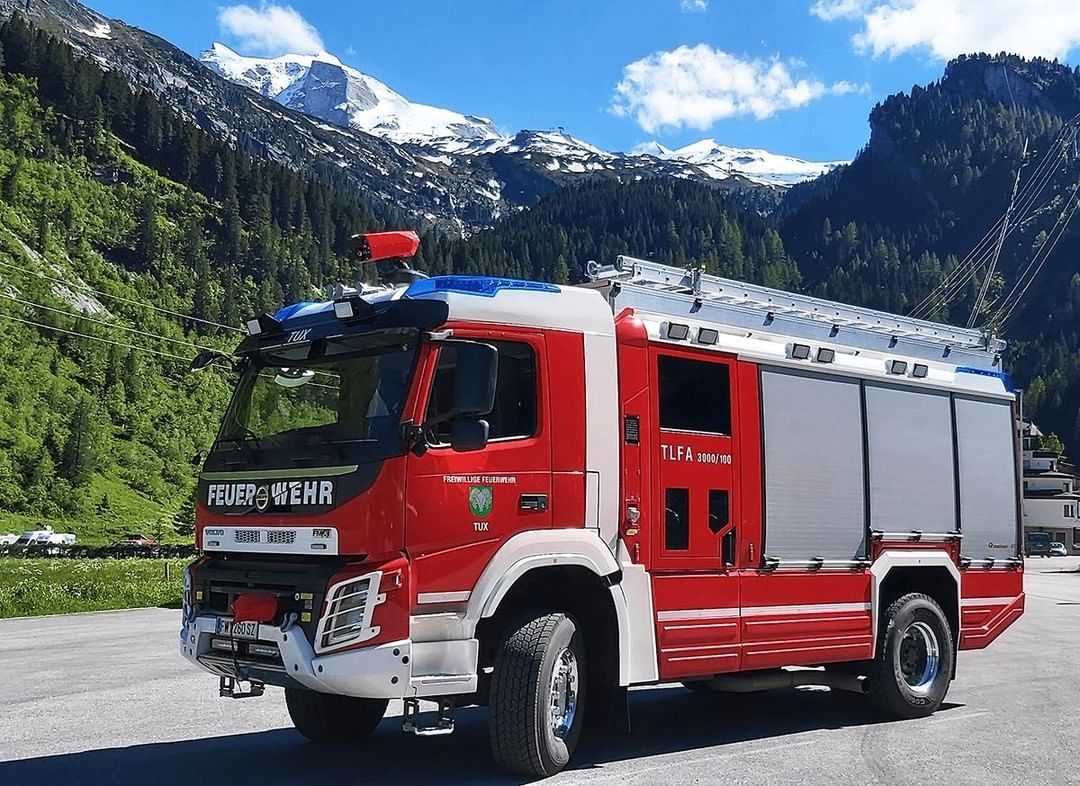 Pin Auf Volvo Fh Feuerwehr Und Schwerlast