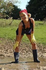 Afbeeldingsresultaat voor girls in rubber waders