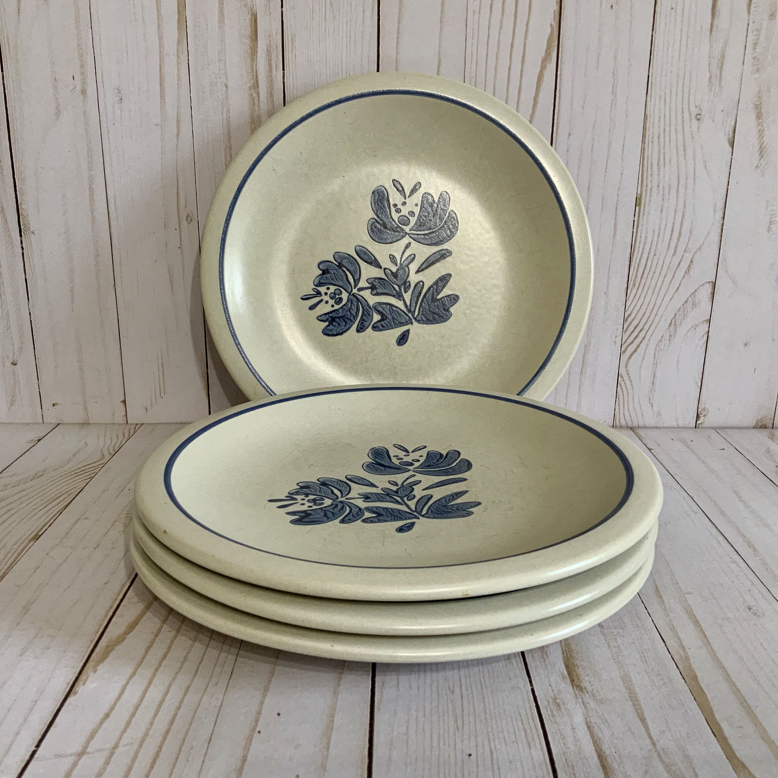 Vintage Pfaltzgraff Yorktowne 10 Dinner Plates Set Of Four 4 Vintage Replacement Plates Usa By Cottontopvi Dinner Plate Sets Pfaltzgraff Dinner Plates