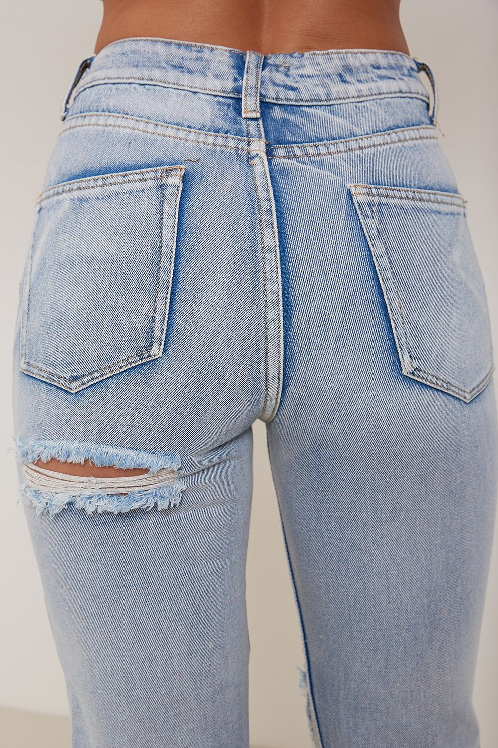 7bdd2e78ae Best Jeans for Women of All Sizes and Styles 2018 200+ Cute Ripped Jeans  Outfits For Winter 2018  femalefashion  winteroutfits  sweaters  jeans   rippedjeans ...