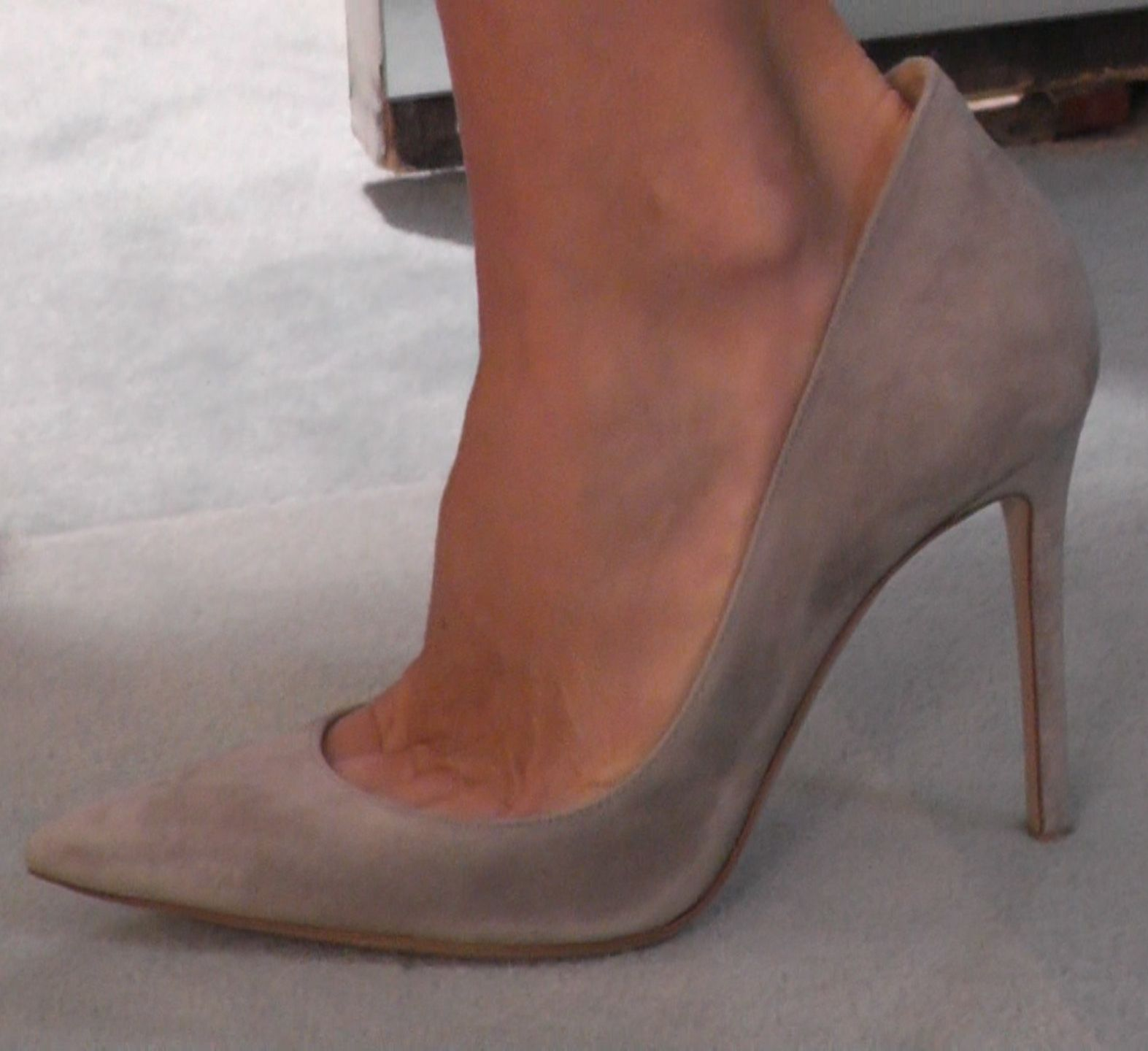 Kelly RIpa's new grey suede Gianvito Rossi heels. LIVE with Kelly and  Michael Fashion Finder