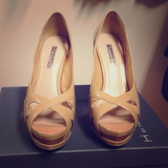 Halston beige patent leather platforms Beige platform shoes. Barely worn great condition Halston Heritage Shoes Platforms