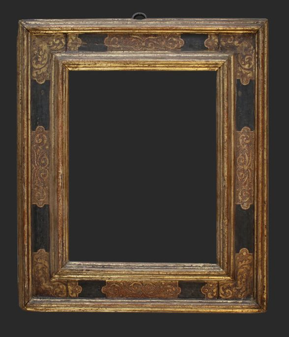 Italian 16C cassetta frame with engraved centres and corners, 15 x ...
