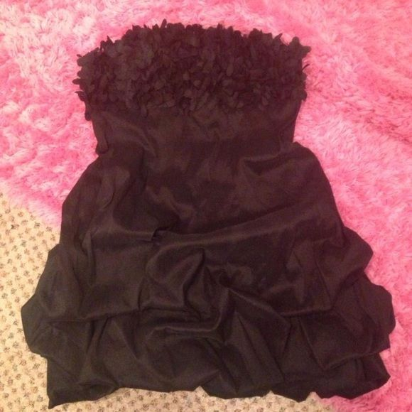 "Flexible on pricing! Short homecoming/prom dress Black bubble dress with ""feathered"" detailing. Worn once, condition like new. Deb Dresses Strapless"