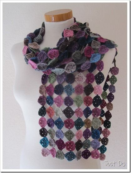 Gorgeous! & super-easy* There are 47 rows of 7 squares. The scarf ...