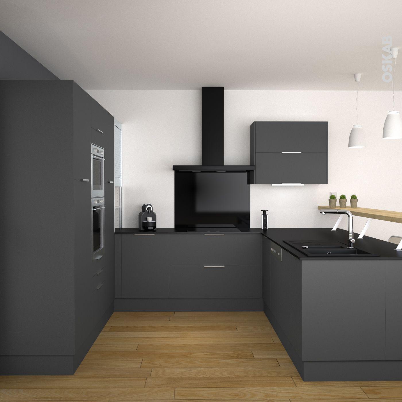 Cuisine grise moderne décor mat en U : plan de travail noir mat et ...