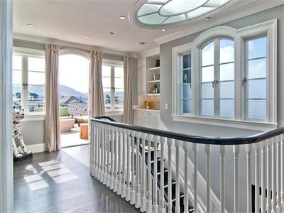 Love the sunroof window detail.