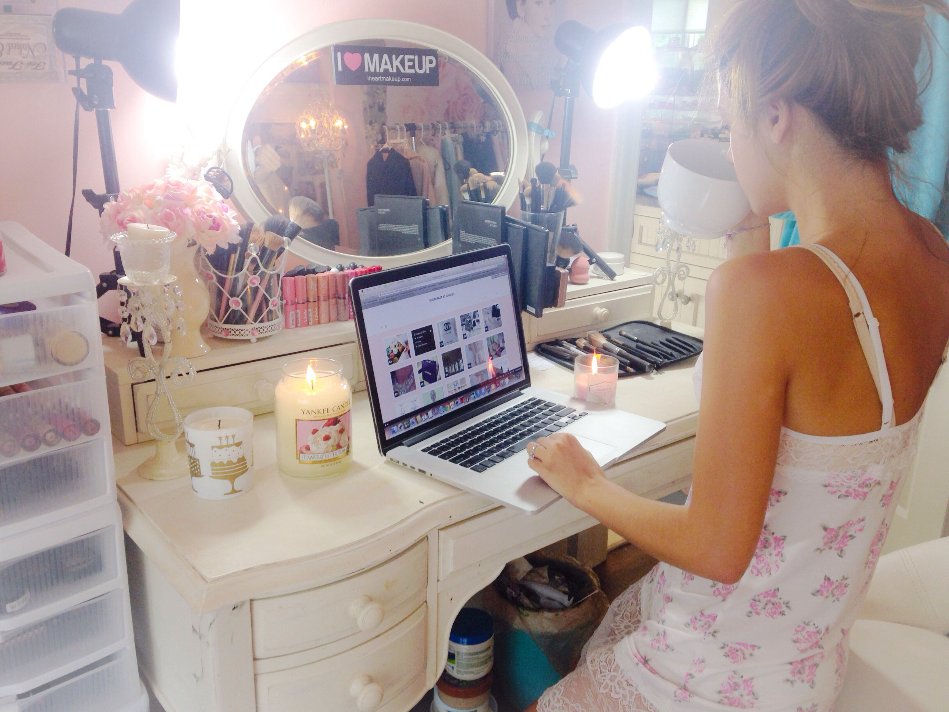 Dream Vanity Makeup Room