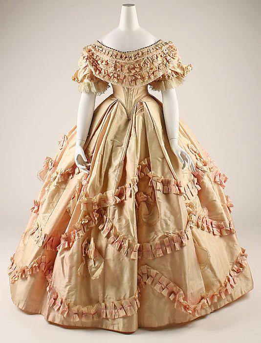 Платья 18 века фото женские