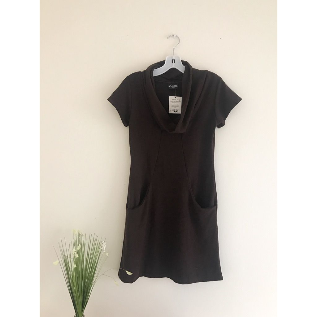 Boutique short sleeve turtleneck dress short sleeves and products