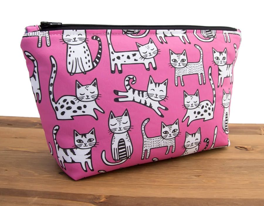 4a685805f4 Cat Makeup Bag - Cat Lover Gift - Cat Gifts - Cat Lady Gifts - Cute Make Up  Bags - Large Makeup Bag Gift - Toiletry Bag Gift - Kitties This gorgeous ...