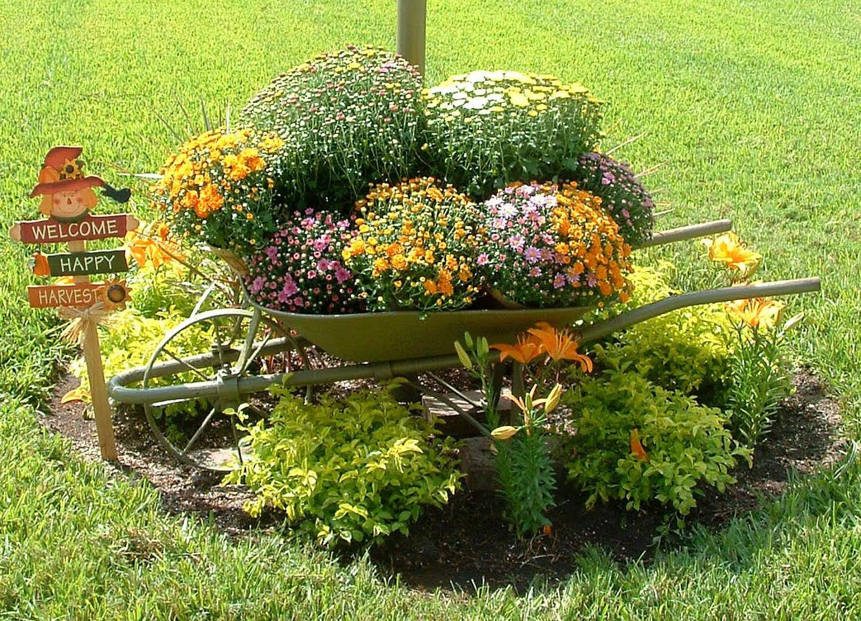 Carrinhos de m o decoram jardins jardim das ideias stihl for Accesorios para jardines pequenos
