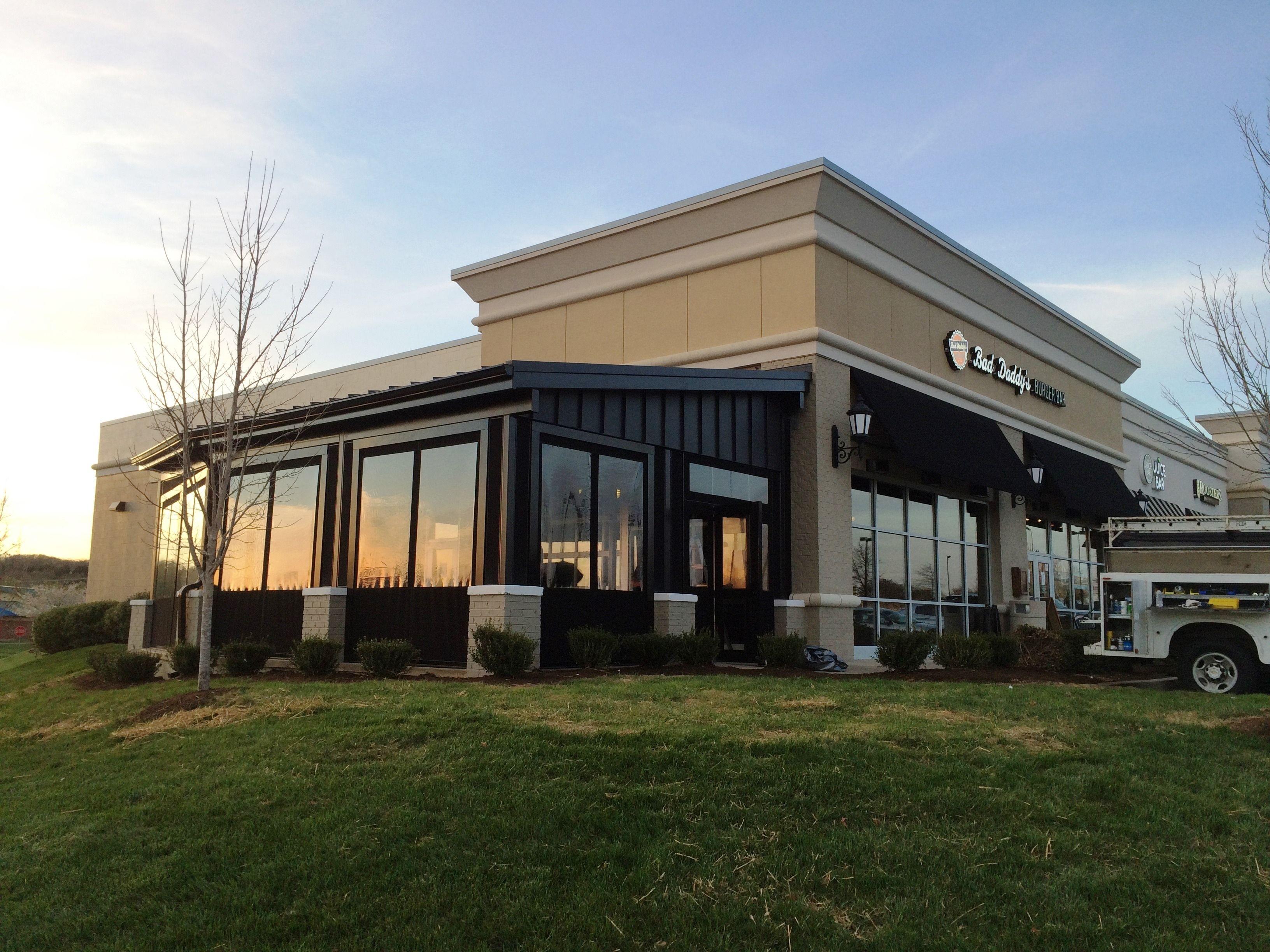 Bad Daddy S Burger Bar Patio Enclosure Knoxville Tn
