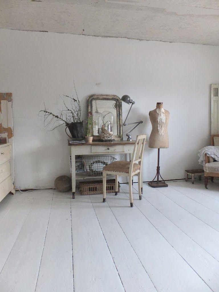 wohnzimmer im shabbychic einrichten, alte weisse möbel, antike ... - Wohnzimmer Weis Shabby