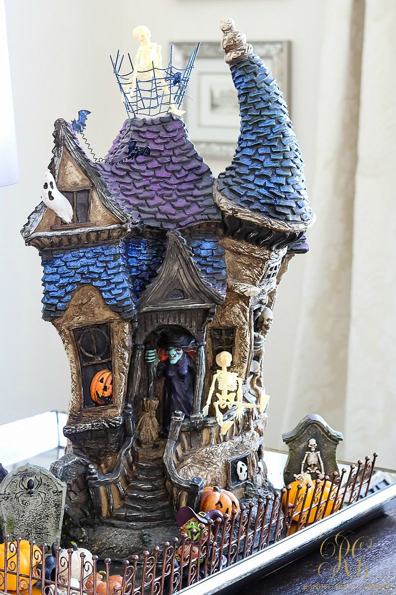 halloween-haunted-house-decor Bloggers Best Fall Decor Pinterest - halloween houses decorated