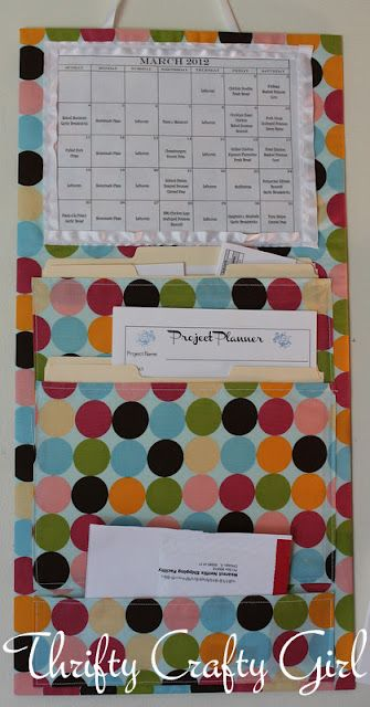 DIY Home Wall Organizer - keep appointments and events organized.